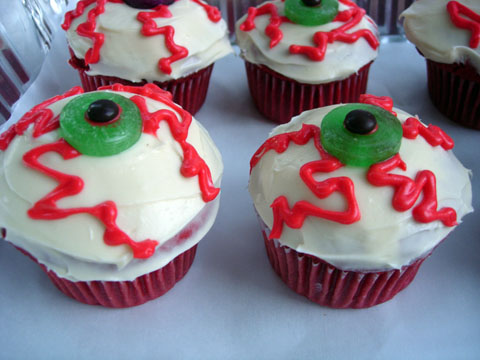 Bloodshot Eye Eyeball Cupcake